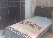 غرفة نوم شباب بحالة جيده مع فرشات سبرنج بسعر 250 دينار