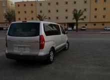 سياره فان بسواقها لتوصيل خارج الرياض