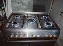 طباخ خمس مشاعل شغال و الفرن شغال فوق وتحت مصري  جداحه نضيف جدا 250 الف