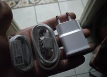 liziyat ou chargeur dyal samsung original kharjin m3a telephone