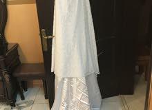 فستان العرس الابيض