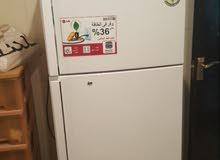 ثلاجة LG 18 قدم بحالة جيدة للبيع
