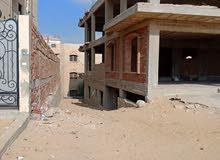 هيكل خرساني لفيلا بالتجمع الخامس منطقه النرجس  بميدان وواجهة حديقه 667 متـــــــر