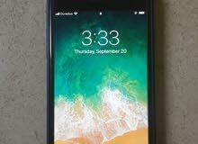 ايفون 8+ بحالة ممتازه مع جميع لواحقه
