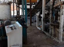 مصنع بومشي إلى للبيع مع كامل معداته كما يوجد مع المصنع عدد اربع فورمات 20. 15.10