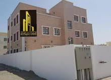 مبنى جديد للبيع في منطقة الخوض يتكون من شقق