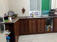 خزائن مطبخ  عدد 10 ووحدة أدارج مع رخام وغاز