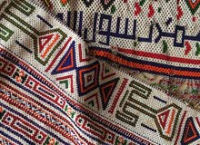 ثياب وتعليقات للبيع