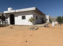 منزل مسقوف حوالي 190 مقام علي ارض 1000 متر مربعه واجهتين.