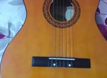 آلة موسيقية/جيتار /العزف /مستعمل