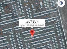 للبيع أرض سكنيه في طيمساء 1 عند حديقة النعام موقعها جدا ممتاز