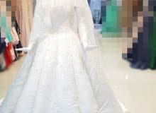 فستان زفاف من اللؤلؤ و الكريستال