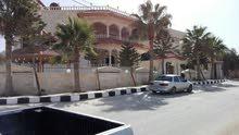 فيلا للبيع الحصن غرب جامع ظفار