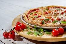 مطعم بيتزا ومعجنات للبيع  في مرج الحمام