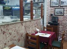 مطعم للبيع في الخالديه  بسبب السفر المفاجئ المطعم مجهز كاملا مع جلسه خارجيه وداخليه