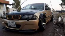 Manual Gold BMW 2001 for sale