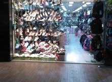 معرض احذية للبيع او للضمان في الزرقاء شارع السعادة