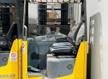 2 Reach Trucks & 1 VNA Machine