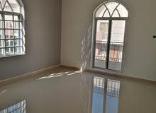 غرفة وحمام نظيفة بالعذيبة علي البحر قرب المسجد البلد ظيب