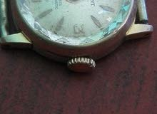 ساعة قدية للبيع. في حالة جيدة