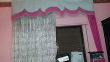 غرفة نوم استعمال خفيف بحالة ممتازة للبيع