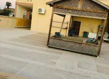 منزل متكون من 3شقق للبيع عرادة قرب مسجد الشاطر