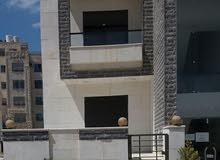 شقة أرضية في حي ام زويتينة مع ترس 135م
