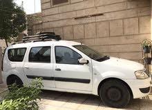 سيارة رينو لوكان 7 راكب موديل 2012 بيضاء بسعر 80 ورقة