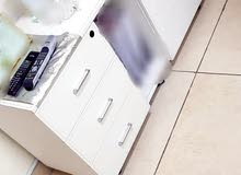 طاولات مكتب للبيع مستعمل نظيف جدا ونوعية فخمة