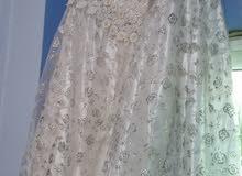 فستان مستعمل مرة واحدة للبيع