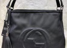 حقائب جميلة بأثمنة مناسبة
