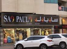 محل كامل للبيع مع ديكور  outelt للبيع فيه جميع براندات adidas & nike & puma ولبس تركي نسائي ورجالي