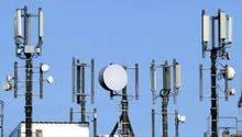 مهندسين وفنيين تركيب معدات اتصالات لشبكة الهاتف المحمول