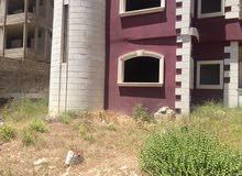 للبيع طابق ارضي في قرى الاسد في ريف دمشق. 420م مع ارض 1000م. مكسي من الخارج