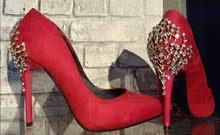 حذاء رائع بألوان الأحمر  للعرائس