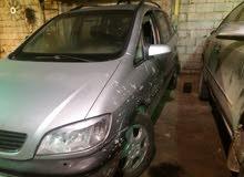 Used condition Opel Zafira 2002 with +200,000 km mileage