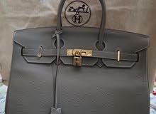 شنطة Hermes رمادي اللون
