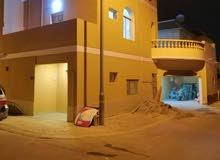 للايجار بيت في مدينة عيسى طابقين 6 غرف البيت مجدد بالكامل