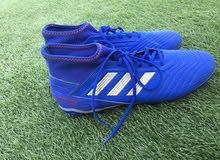 حذاء Adidas أصلي للبيع