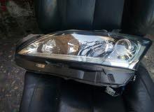 ضوء امامي زينون اصلي مستعمل شمال لكزاس ct200  للبيع