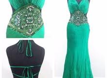 فستان بتصميم مميز للايجار