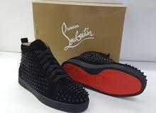 أحذية من ارقى الماركات ،غير اصلية لكن نسخة رقم واحد