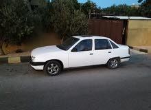 أوبل كاديت 1990 لون أبيض ماتور 1600 CC بسعر 2400 دينار قابل للتفاوض للجادين فقط