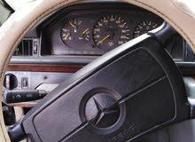 Gasoline Fuel/Power   Mercedes Benz E 200 1990
