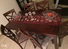 طاولة و 6 كراسي للبيع القلمون طرابلس
