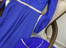 فستانين للبيع بسعر مغري قابل للتفاوض