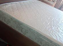 سرير (تخت) مع الفرشه