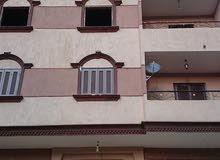 شقة للبيع بالنزهه 2 بسعر لقطة  متفرع من شارع الخمسين