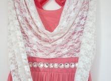 للبيع فستان سواريه بحالة الجديد