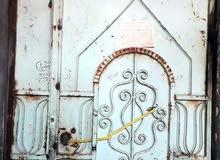 باب حديد كلش قوي يحتاج صبق فقط السعر 75 وبي مجال